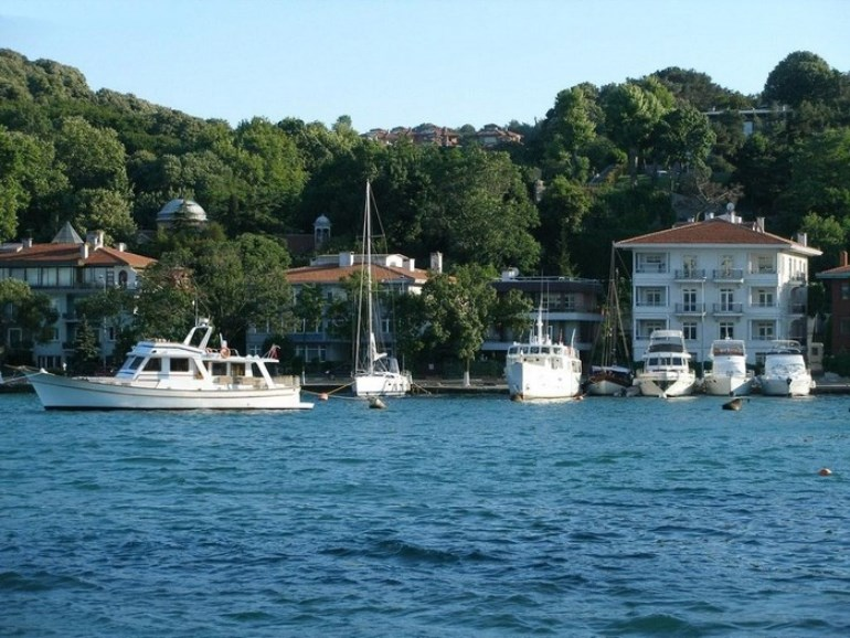 Bosphorus Front Building for sale In Istanbul